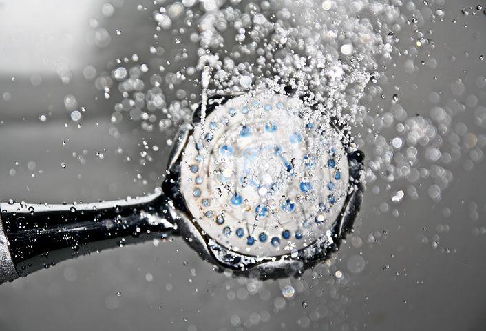 Les bienfaits insoupçonnés de la douche froide.