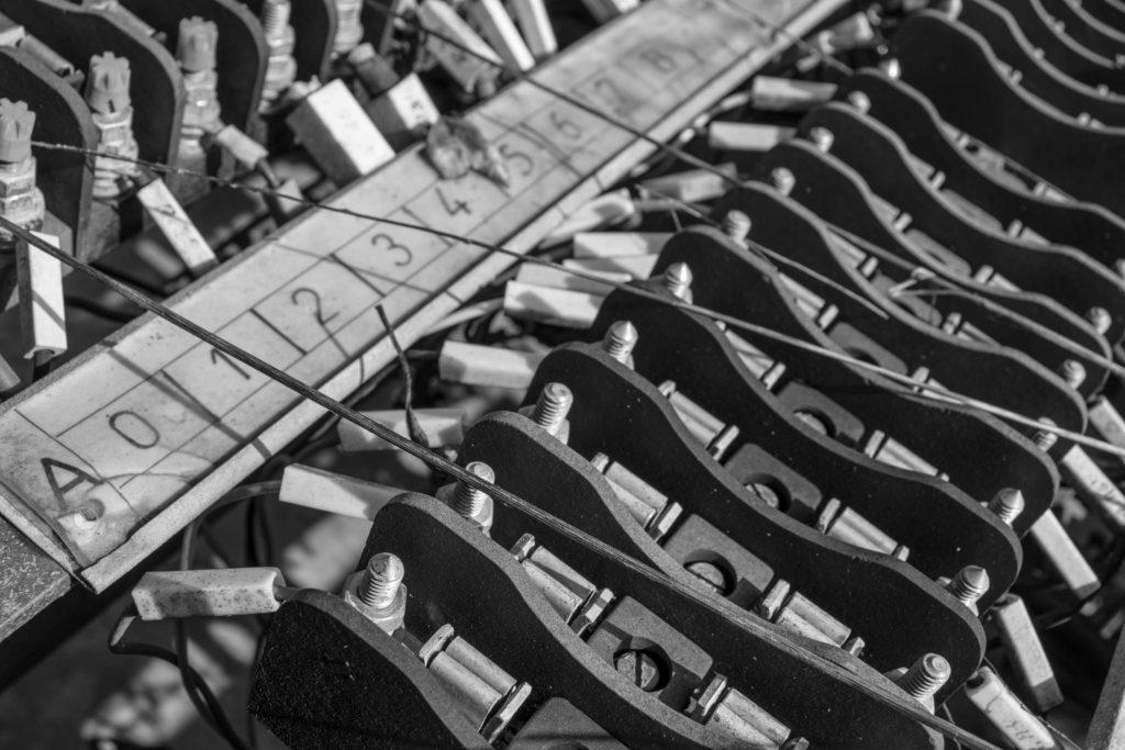 Tableau électrique Fusibles Trains noir et blanc David RAUTUREAU